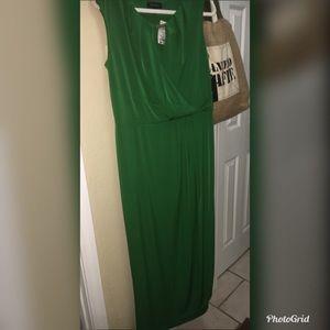 NWT 💚Long Green Semi Wrap dressFINAL MARKDOWN